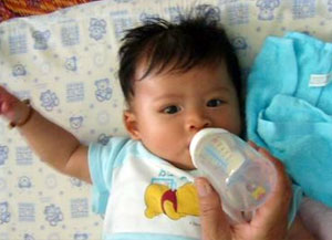 Weaning babies from bottles